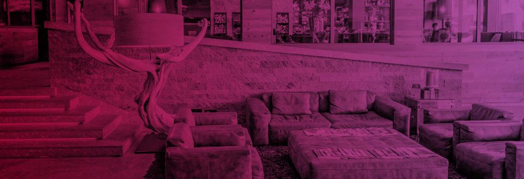 Headerbild Medien Lounge mit Sofa