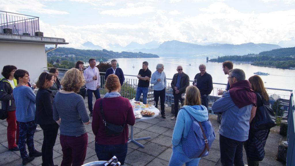 Mitarbeiteranlass der La Capriola Stiftung in Luzern mit Apero und Seesicht