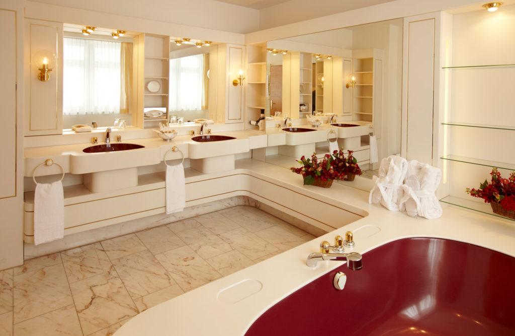 Hotel Seehof Ansicht Badezimmer mit Badewanne