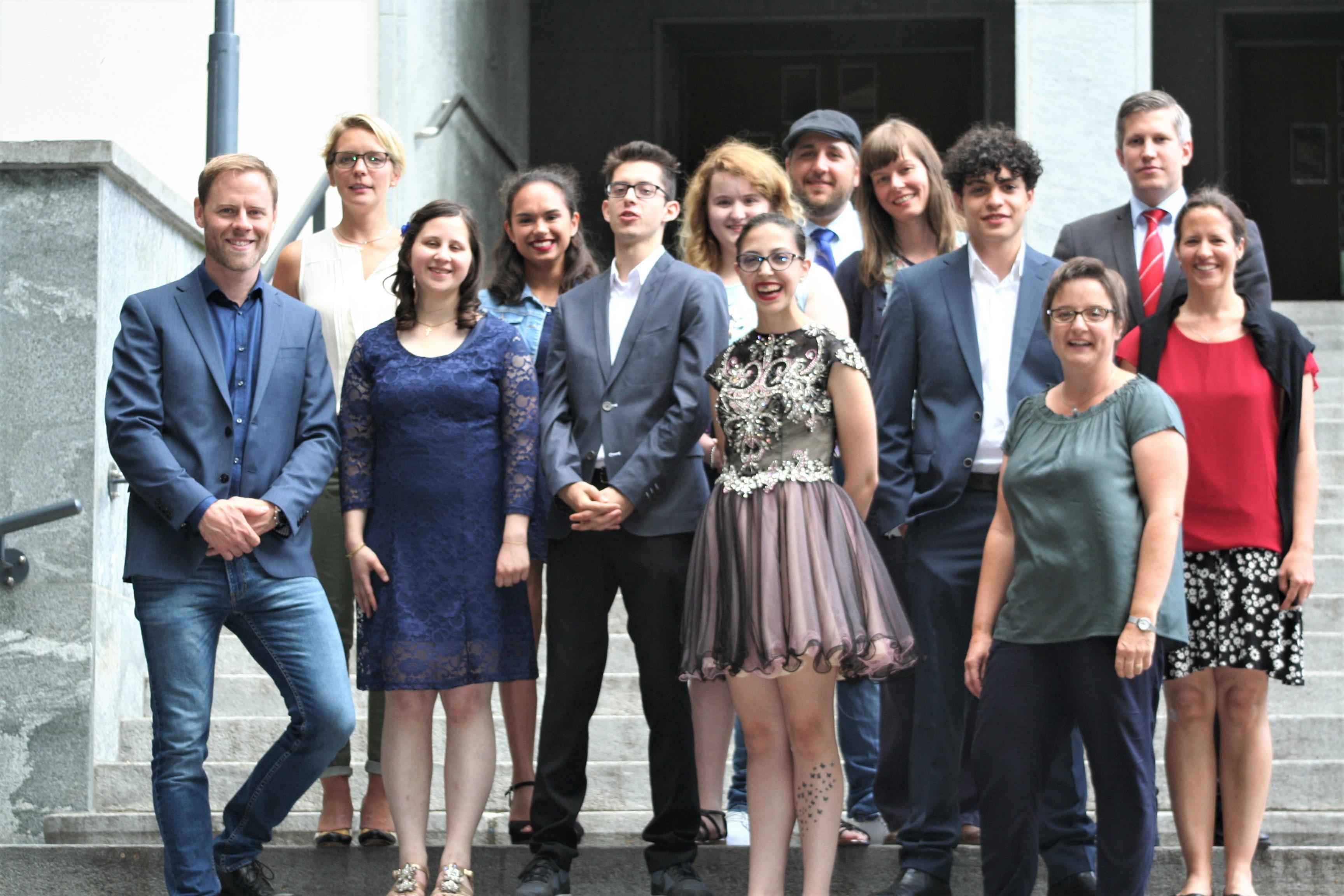 Jugendliche Der La Capriola Stiftung Bei Ihrer Abschlussfeier