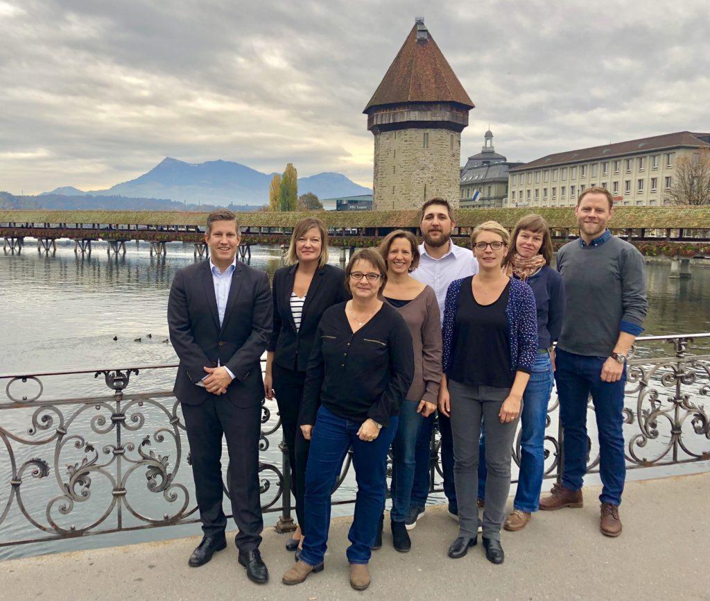 La Capriola Team vor der Kappelerbrücke in Luzern