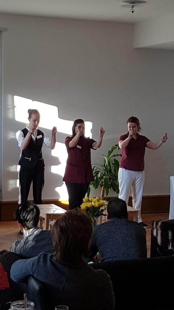 Vorführung La Capriola Jugendliche vor Publikum