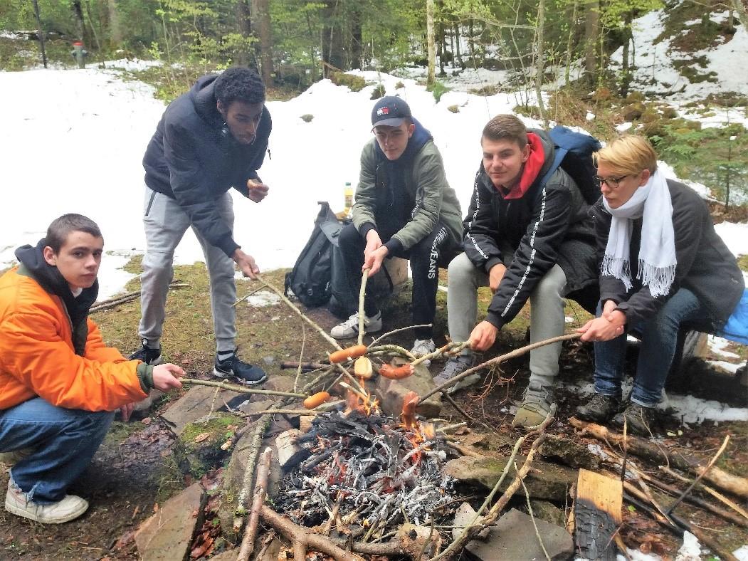 Frühlingsblockwoche Grillieren Im Wald In Luzern