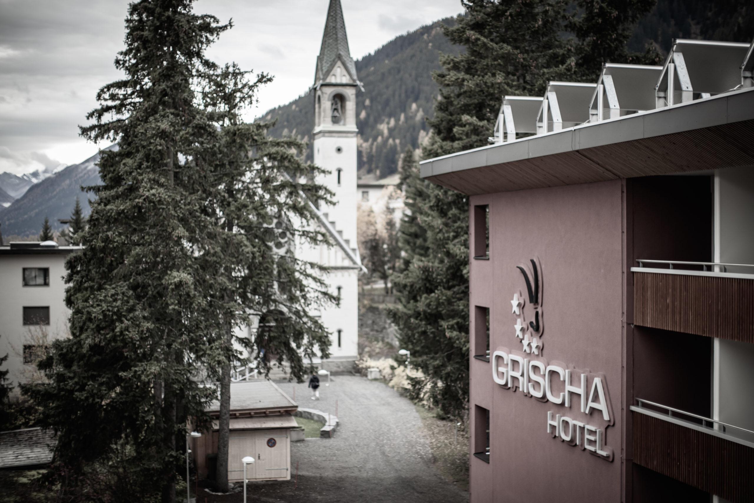 Aussenansicht Grischa Hotel